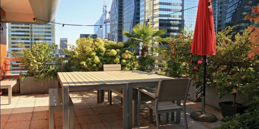 https://www.snapevent.fr/location-de-salle/paris/appartement-avec-terrasse-valerie-2033
